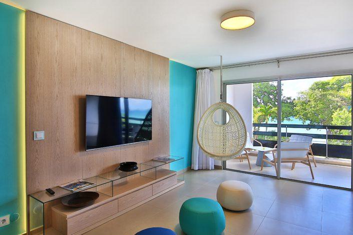 suite mahogany